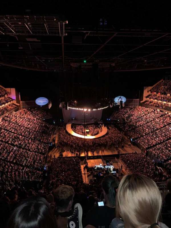 The O2 arena, secção: 411, fila: M, lugar: 696
