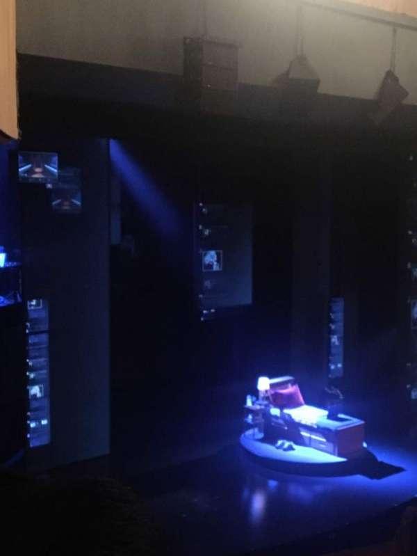 Music Box Theatre, secção: Mezzanine L, fila: D, lugar: 27
