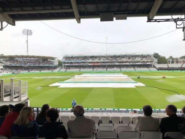 Lord's Cricket Ground, secção: Mound stand, fila: 22, lugar: 9