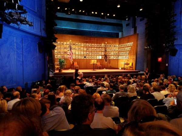 Hayes Theater, secção: Orchestra L, fila: P, lugar: 7
