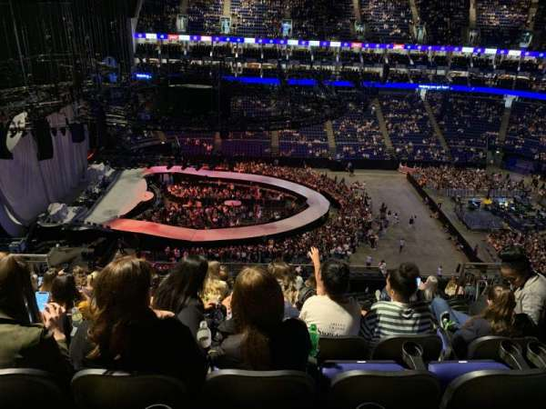 The O2 arena , secção: 402, fila: L, lugar: 497