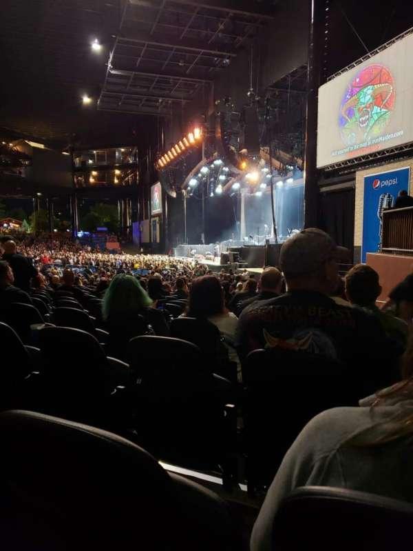 Hollywood Casino Amphitheatre (Tinley Park), secção: 101, fila: DD, lugar: 3