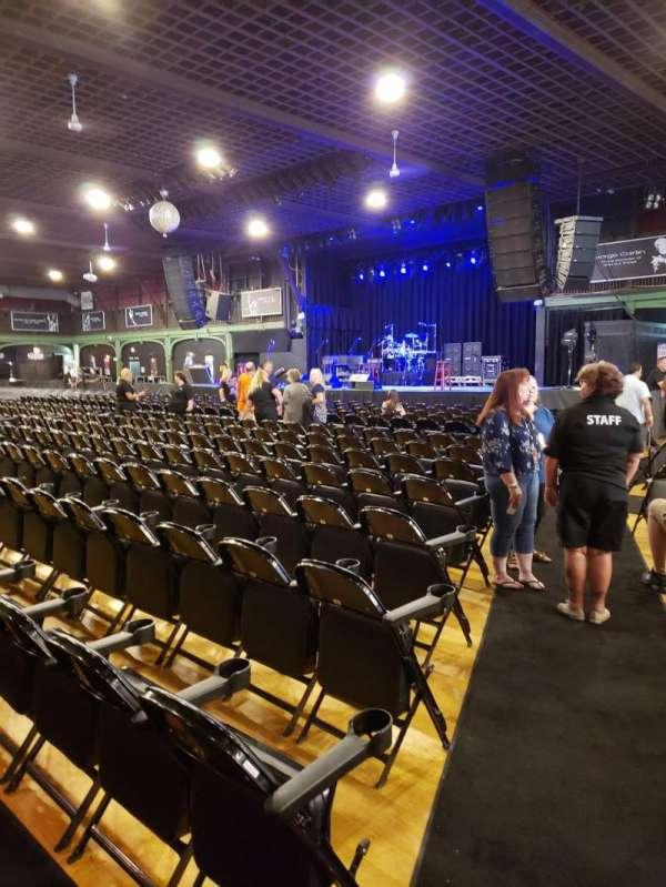 Hampton Beach Casino Ballroom, secção: Center Right Section 1, fila: LL, lugar: 22