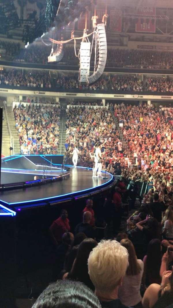 PNC Arena, secção: 106, fila: F, lugar: 14