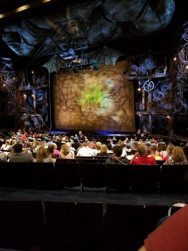 Gershwin Theatre, secção: Orchestra R, fila: S, lugar: 22
