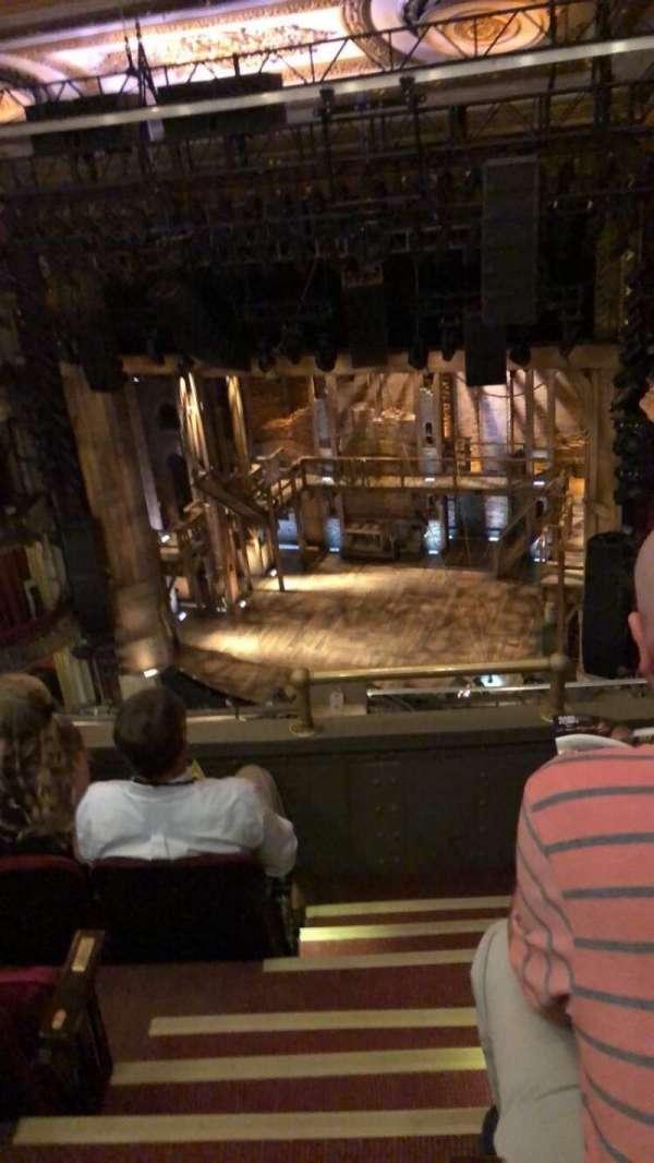CIBC Theatre, secção: Balcony R, fila: D, lugar: 2