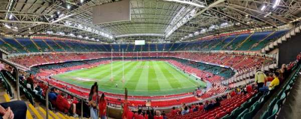 Principality Stadium, secção: UN1, fila: 21, lugar: 1