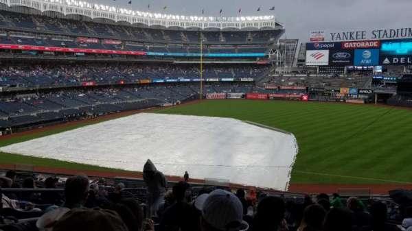 Yankee Stadium, secção: 214a, fila: 18, lugar: 14