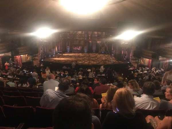 Richard Rodgers Theatre, secção: Orchestra C, fila: V, lugar: 106