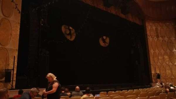 Fisher Theatre, secção: MNLT, fila: K, lugar: 17