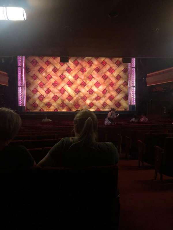 Adelphi Theatre, secção: Stalls, fila: S, lugar: 19