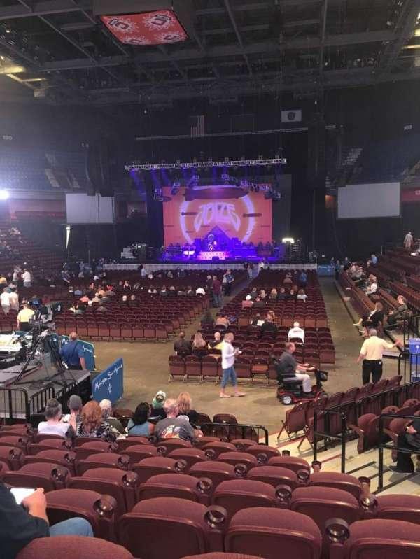 Mohegan Sun Arena, secção: 19, fila: L, lugar: 5