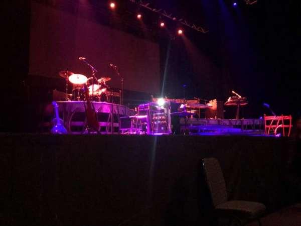 Ovation Hall, secção: Orchestra 3, fila: AA