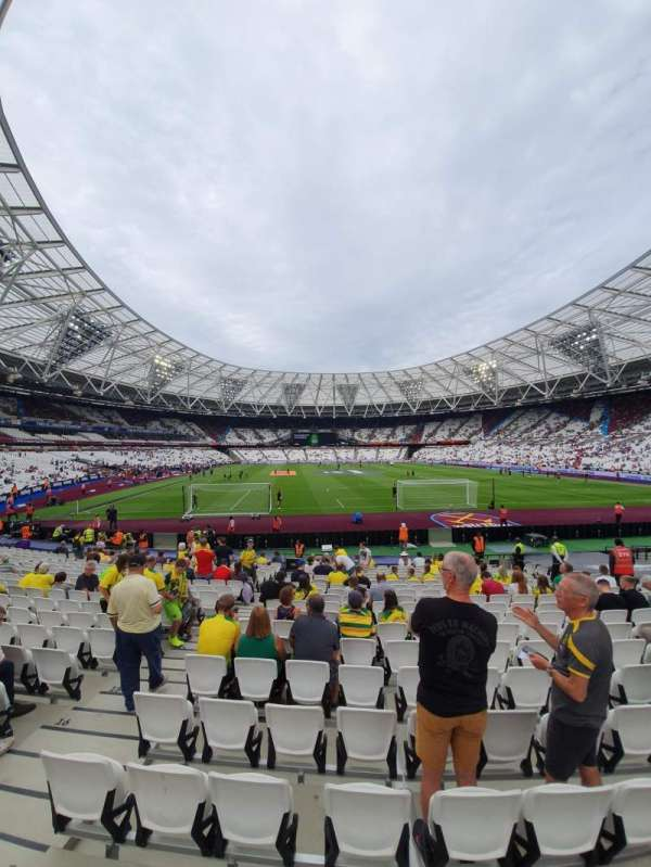London Stadium, secção: 119, fila: 18, lugar: 7