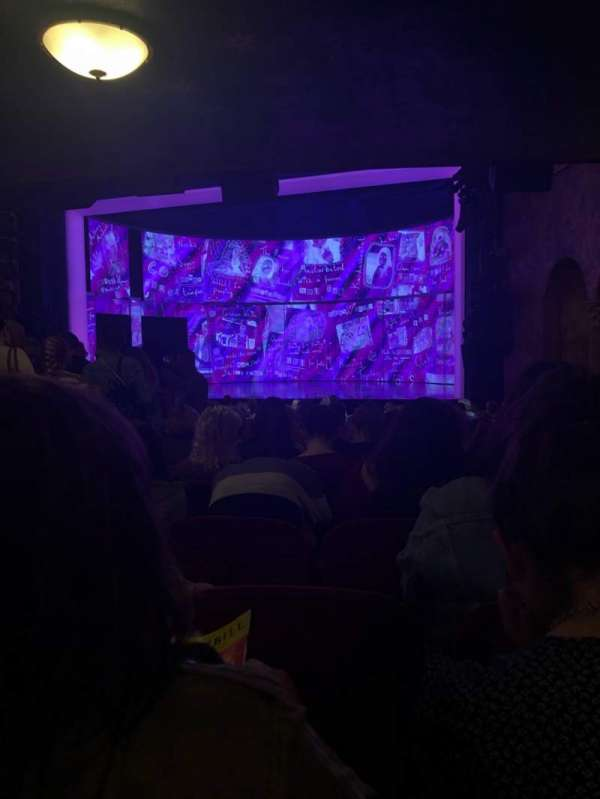 August Wilson Theatre, secção: Orchestra R, fila: T, lugar: 10