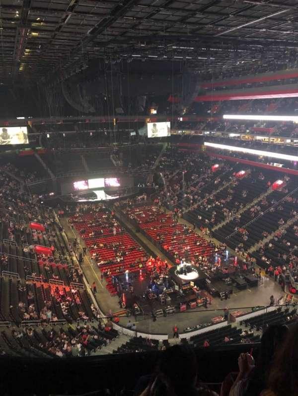 Little Caesars Arena, secção: 220, fila: 4, lugar: 6