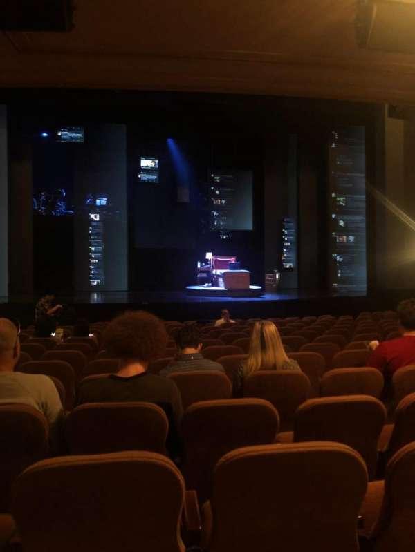 Music Box Theatre, secção: Orchestra C, fila: O, lugar: 111