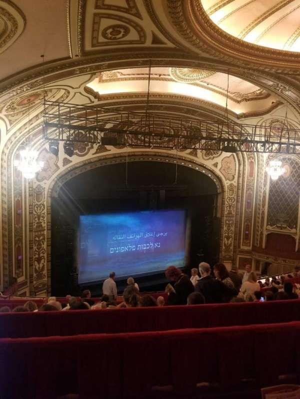 Cadillac Palace Theater, secção: Balcony L, fila: M, lugar: 17