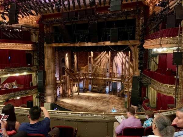 CIBC Theatre, secção: Mezzanine R, fila: E, lugar: 2