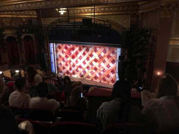 Brooks Atkinson Theatre, secção: Rear Mezzanine R, fila: K, lugar: 12