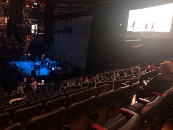 Madison Square Garden, secção: 108, fila: 16, lugar: 15