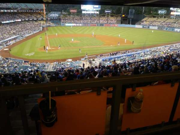 Dodger Stadium, secção: 120LG, fila: W, lugar: 1