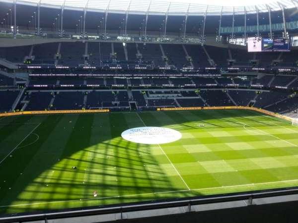 Tottenham Hotspur Stadium, secção: 527, fila: 4, lugar: 863