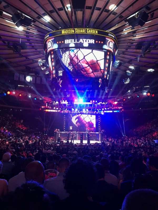 Madison Square Garden, secção: 2, fila: 18, lugar: 17