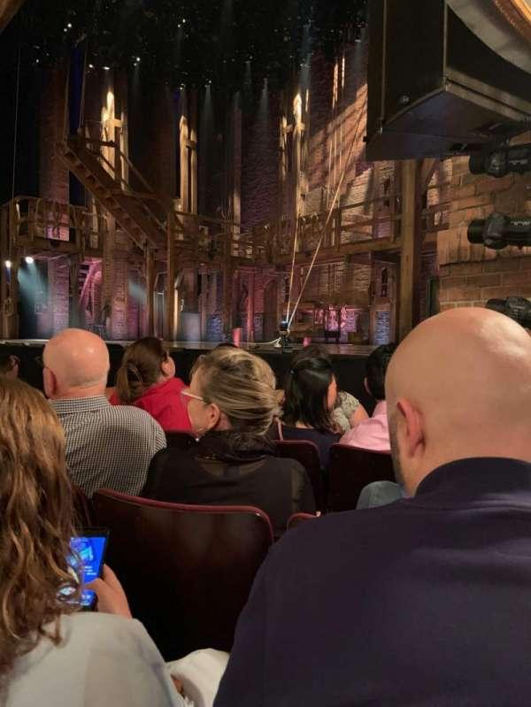 Richard Rodgers Theatre, secção: Orchestra R, fila: D, lugar: 22, 20, 18