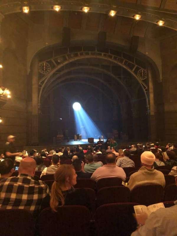 Lyric Theatre, secção: Orchestra L, fila: R, lugar: 19