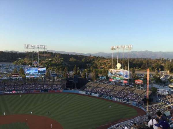 Dodger Stadium, secção: 10TD, fila: J, lugar: 16