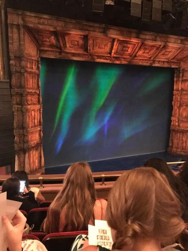 St. James Theatre, secção: Mezzanine L, fila: D, lugar: 11