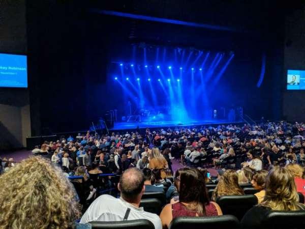 Ovation Hall, secção: 105, fila: M, lugar: 15