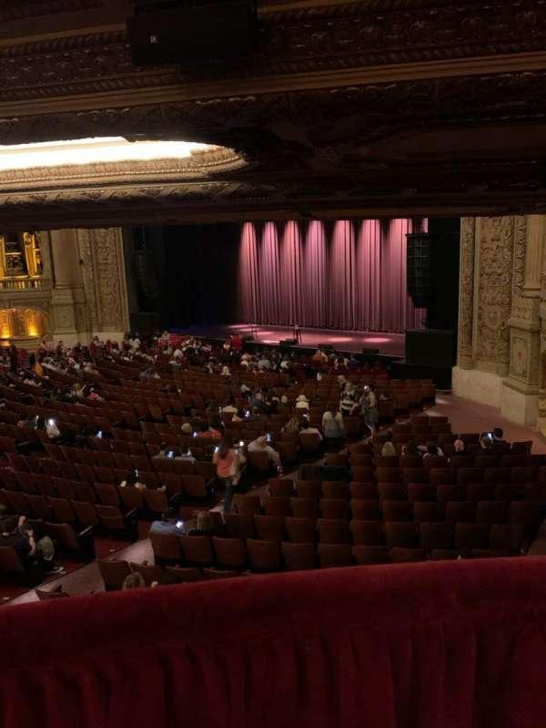 Chicago Theatre, secção: Mezzanine box F, fila: 1, lugar: 1