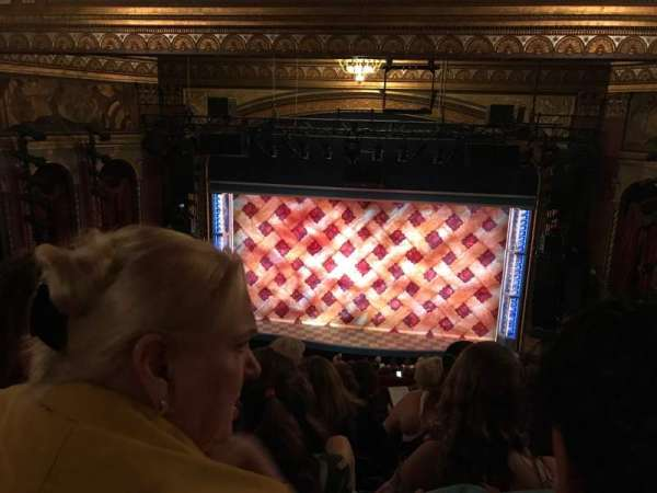 Brooks Atkinson Theatre, secção: Rear Mezzanine RC, fila: K, lugar: 113