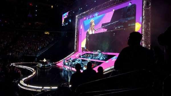 T-Mobile Arena, secção: 17, fila: H, lugar: 13