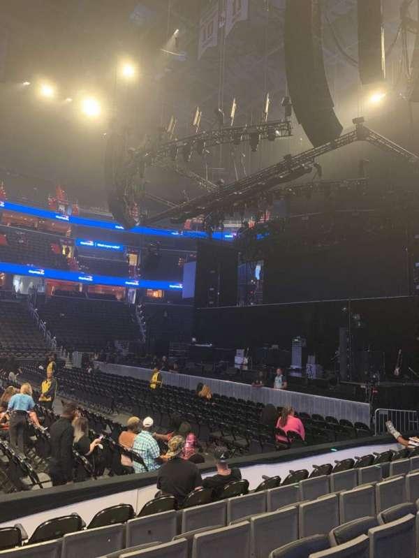 Capital One Arena, secção: 112, fila: F, lugar: 1