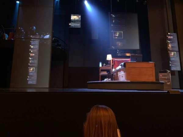 Music Box Theatre, secção: Orchestra C, fila: B, lugar: 107
