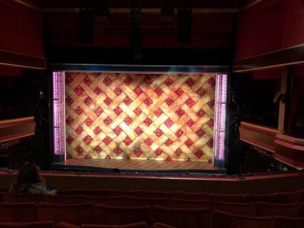 Adelphi Theatre, secção: Dress Circle, fila: F, lugar: 17