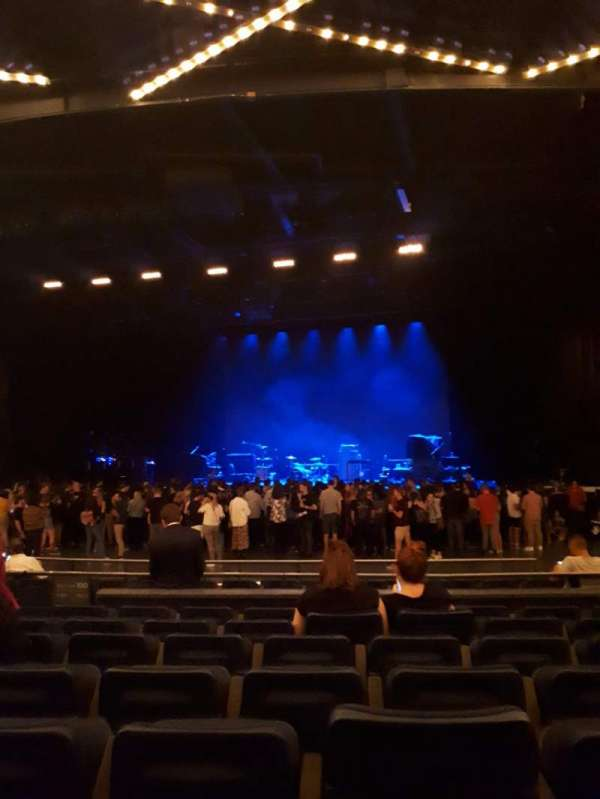 Hulu Theater at Madison Square Garden, secção: 202, fila: E, lugar: 6