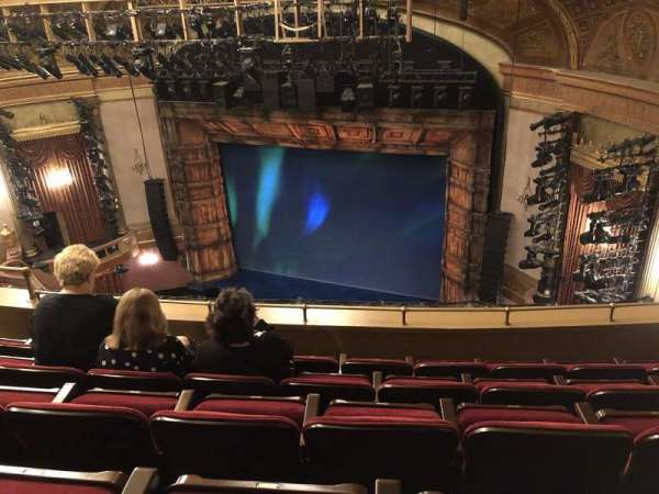 St. James Theatre, secção: Balcony R, fila: E, lugar: 18