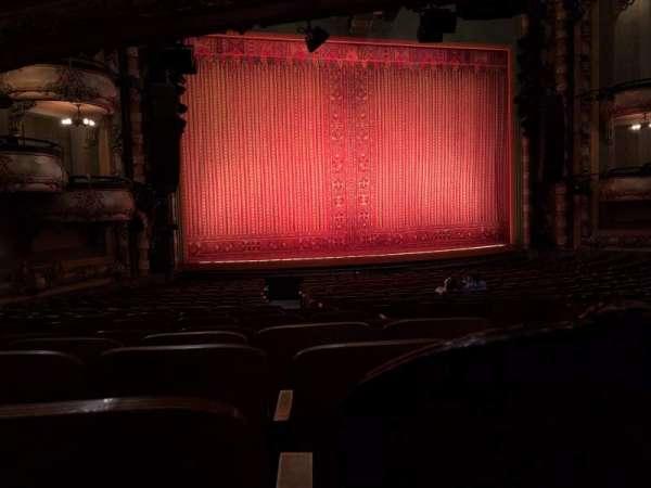 New Amsterdam Theatre, secção: Orchestra L, fila: U, lugar: 1