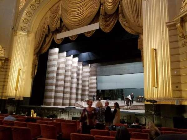 War Memorial Opera House, secção: orchestra, fila: H, lugar: 10