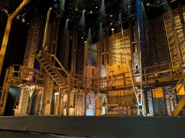 Forrest Theatre, secção: Orchestra D, fila: A, lugar: 6