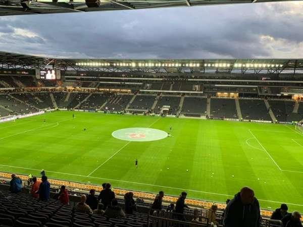 Stadium MK, secção: 2, fila: WW, lugar: 58