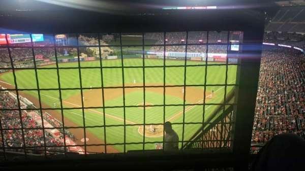 Angel Stadium, secção: V519, fila: E, lugar: 18