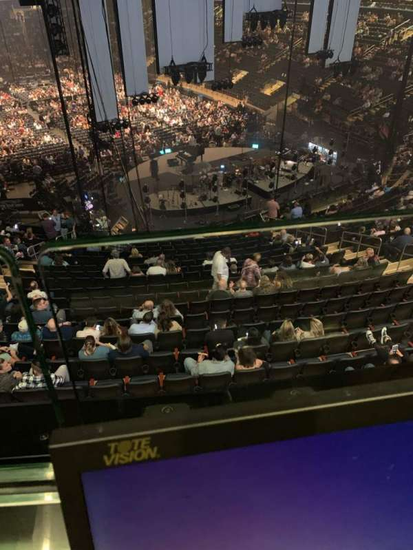 Madison Square Garden, secção: 216, fila: 1, lugar: 14