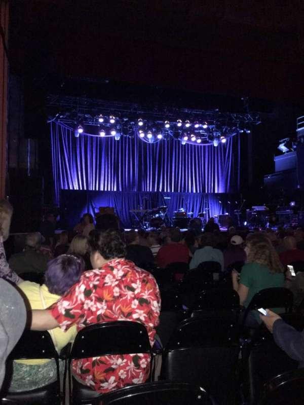 Tower Theater, secção: Orchestra LC, fila: Mm, lugar: 126