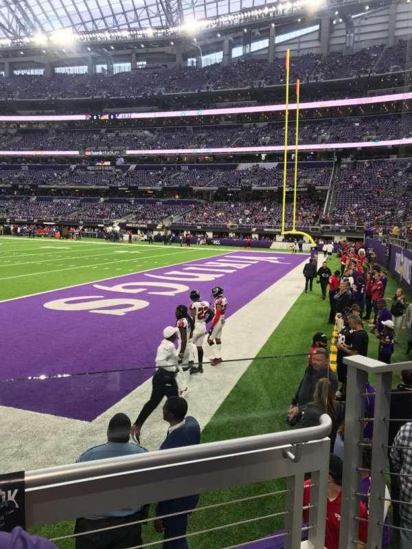 U.S. Bank Stadium, secção: 103, fila: 2, lugar: 3