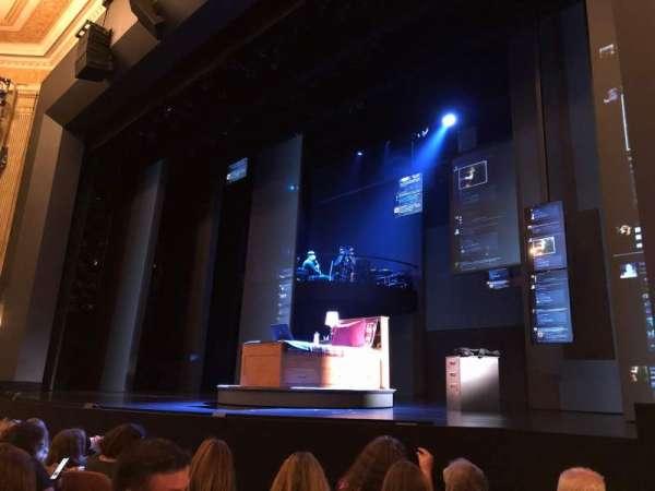 Music Box Theatre, secção: Orchestra R, fila: E, lugar: 12